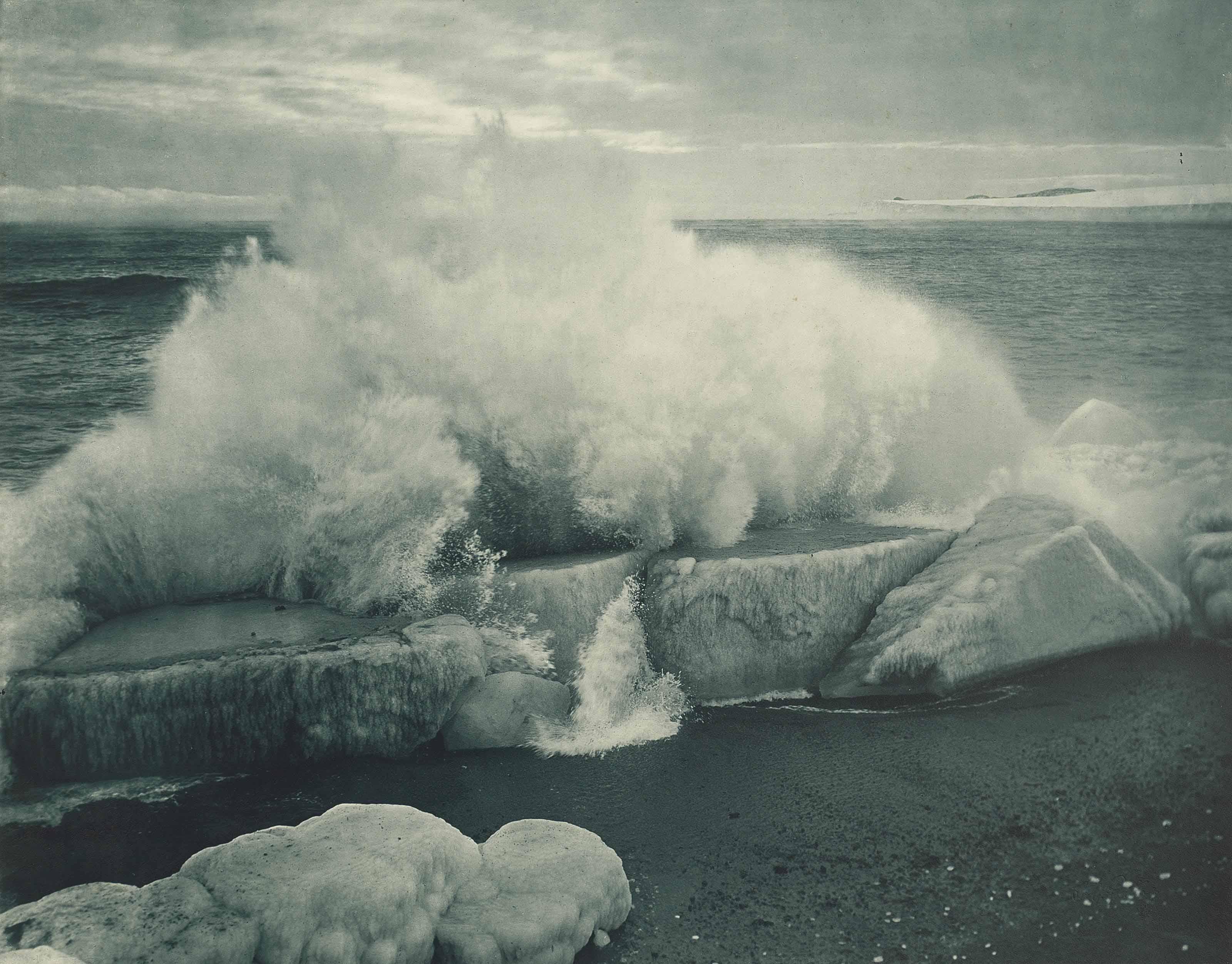 Breaking waves on Cape Evans