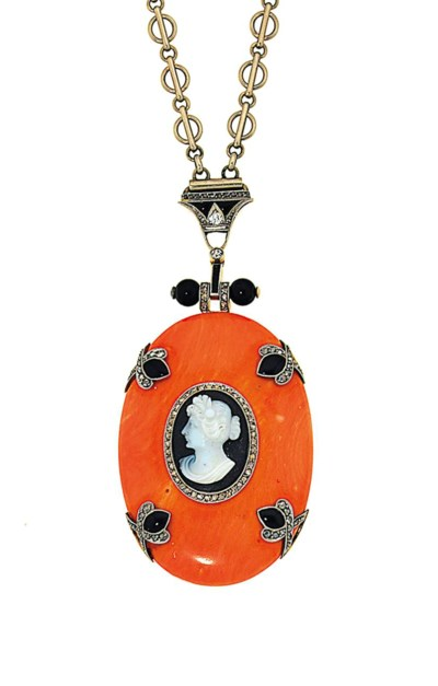 An early 20th century coral, o