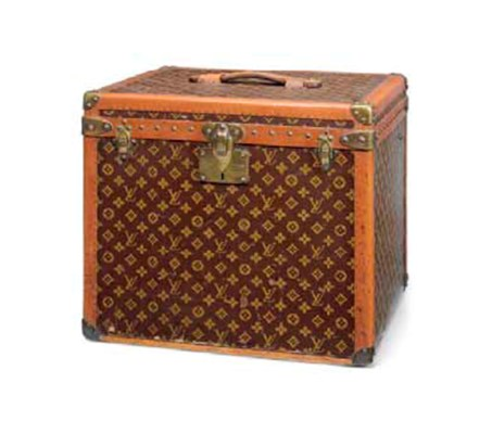 A HAT BOX IN MONOGRAM CANVAS