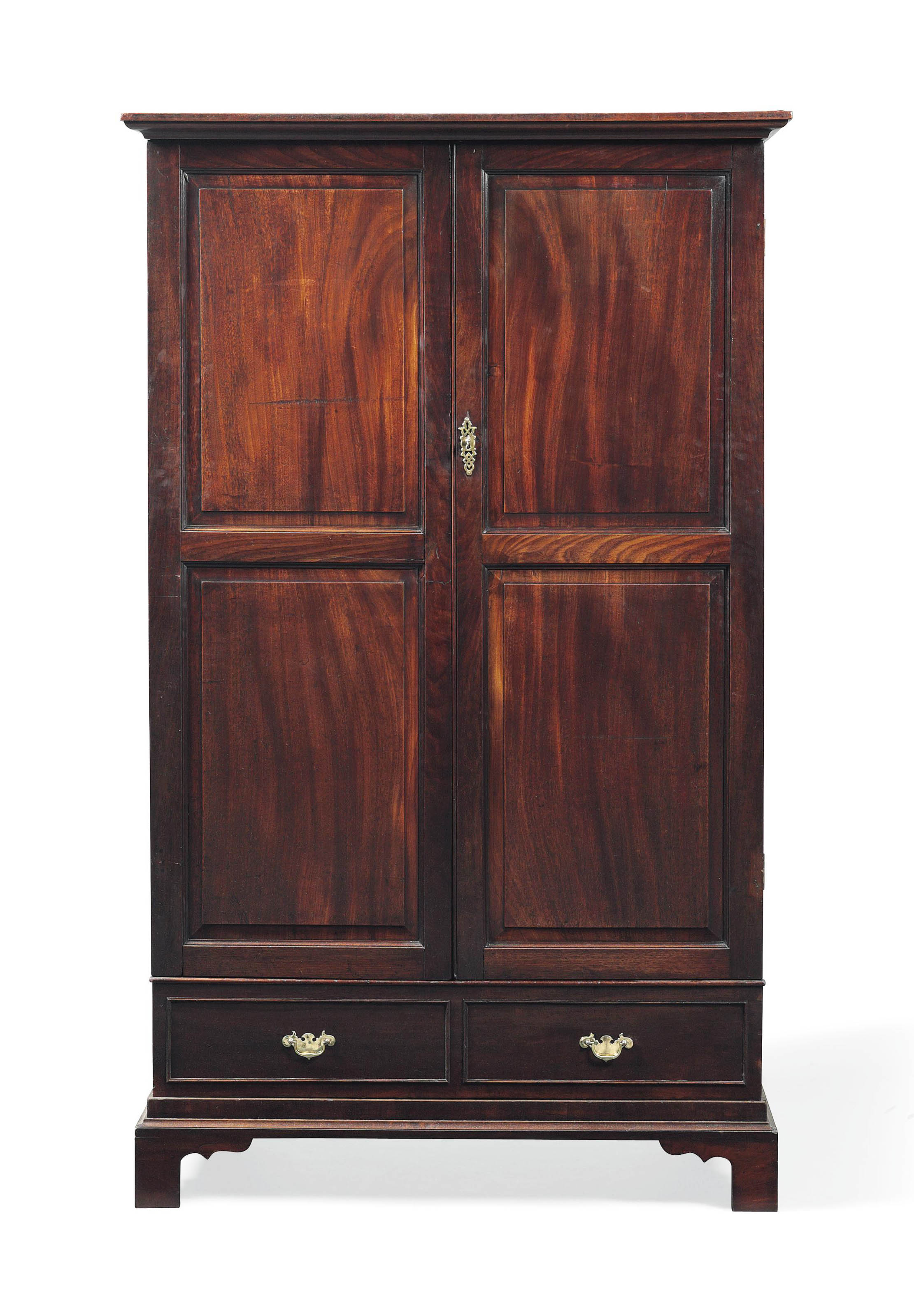 AN EARLY GEORGE III MAHOGANY W