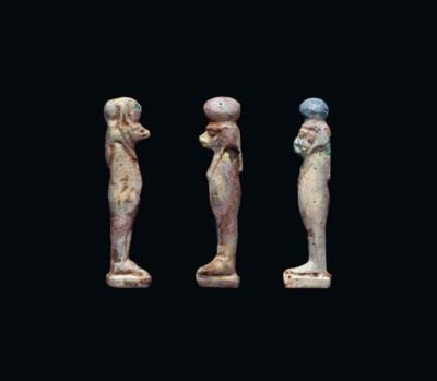 THREE EGYPTIAN IRIDESCENT GLAS