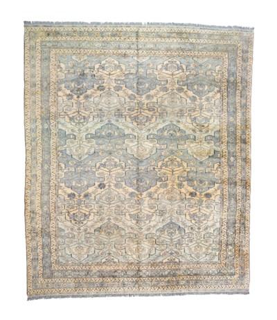 A massive carpet of stylised T