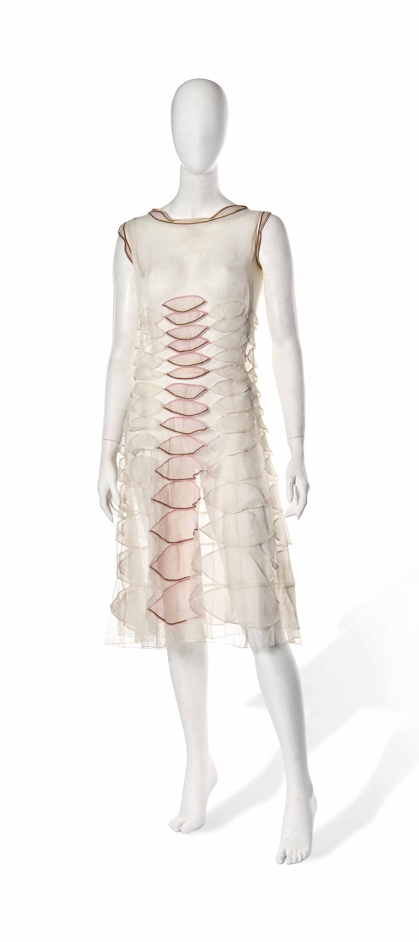 A JEANNE LANVIN COCKTAIL DRESS OF WHITE ORGANZA