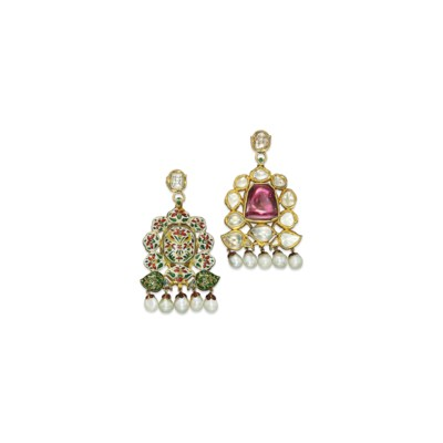 A PAIR OF INDIAN SPINEL, DIAMO