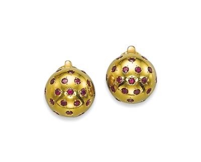 A PAIR OF RUBY AND GOLD EAR CL