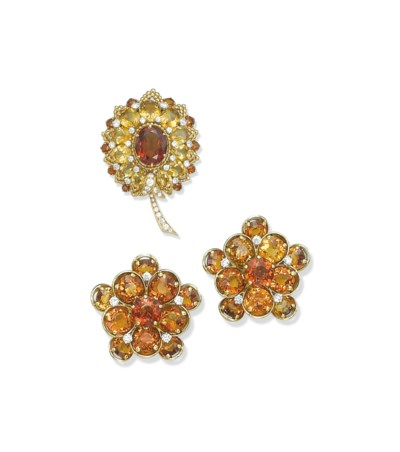 A GROUP OF CITRINE, COLOURED S