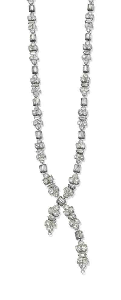 A DIAMOND LAVALIERE NECKLACE,