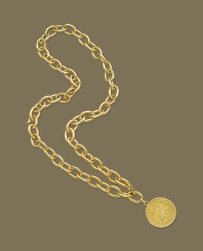 A GOLD LONGCHAIN