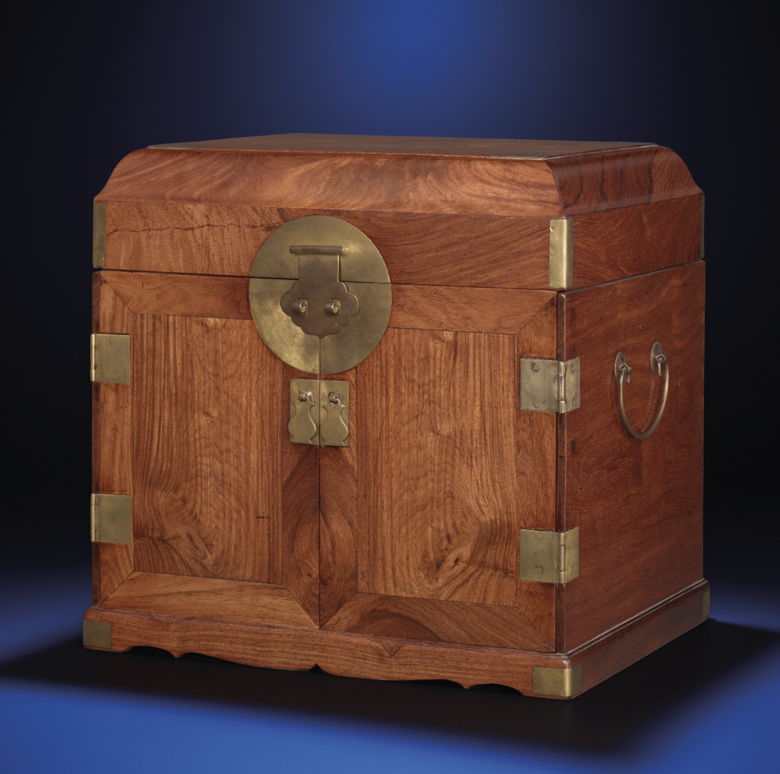 A HUANGHUALI CHEST WITH MIRROR