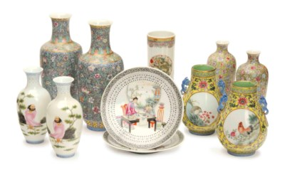 FOUR PAIRS OF CHINESE PORCELAI