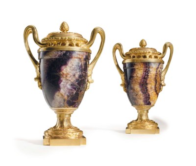 A PAIR OF ENGLISH ORMOLU-MOUNT