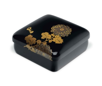 A small lacquer box with chrys