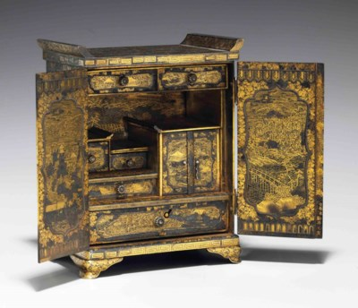 An inlaid iron table cabinet