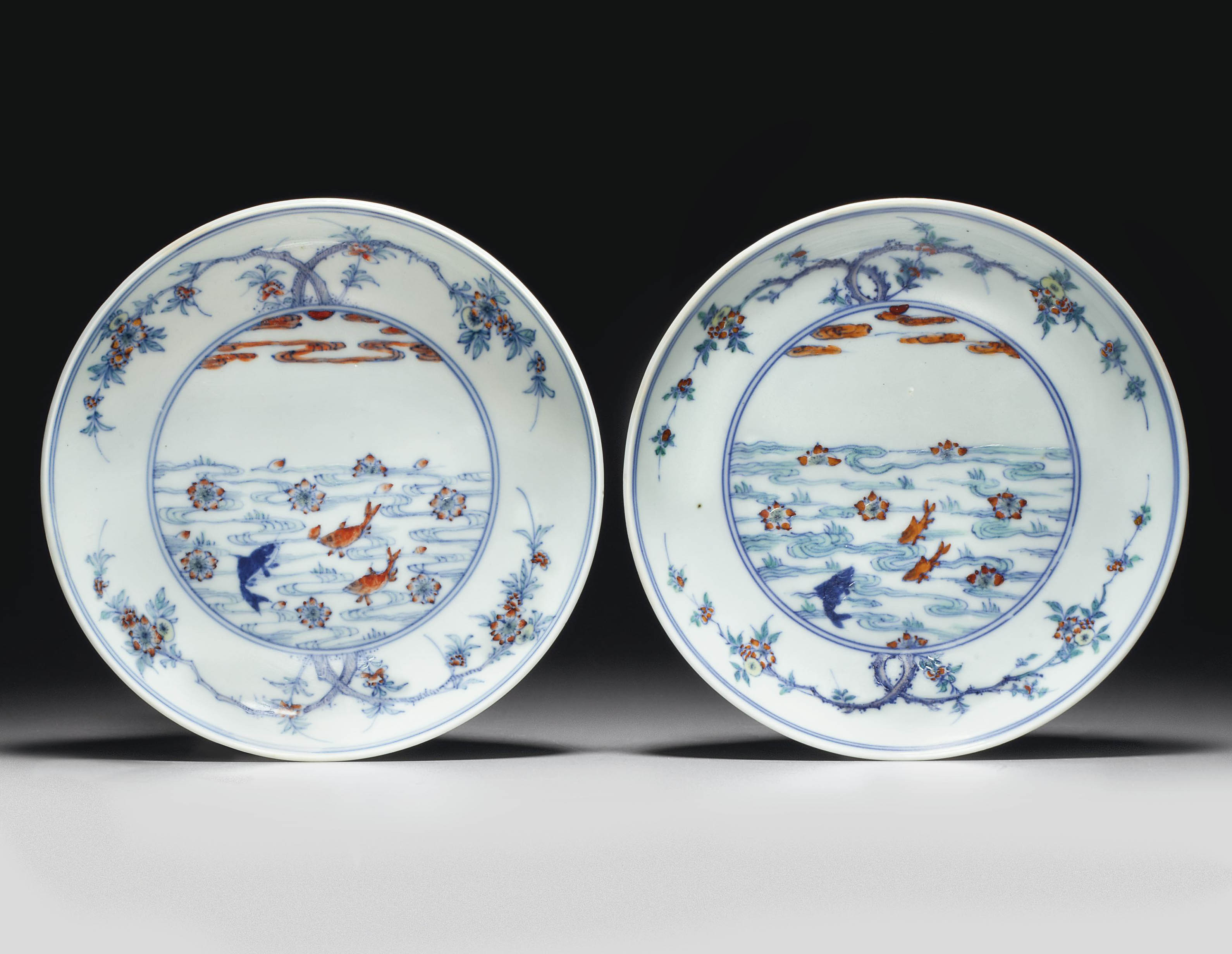 A PAIR OF DOUCAI SAUCER DISHES