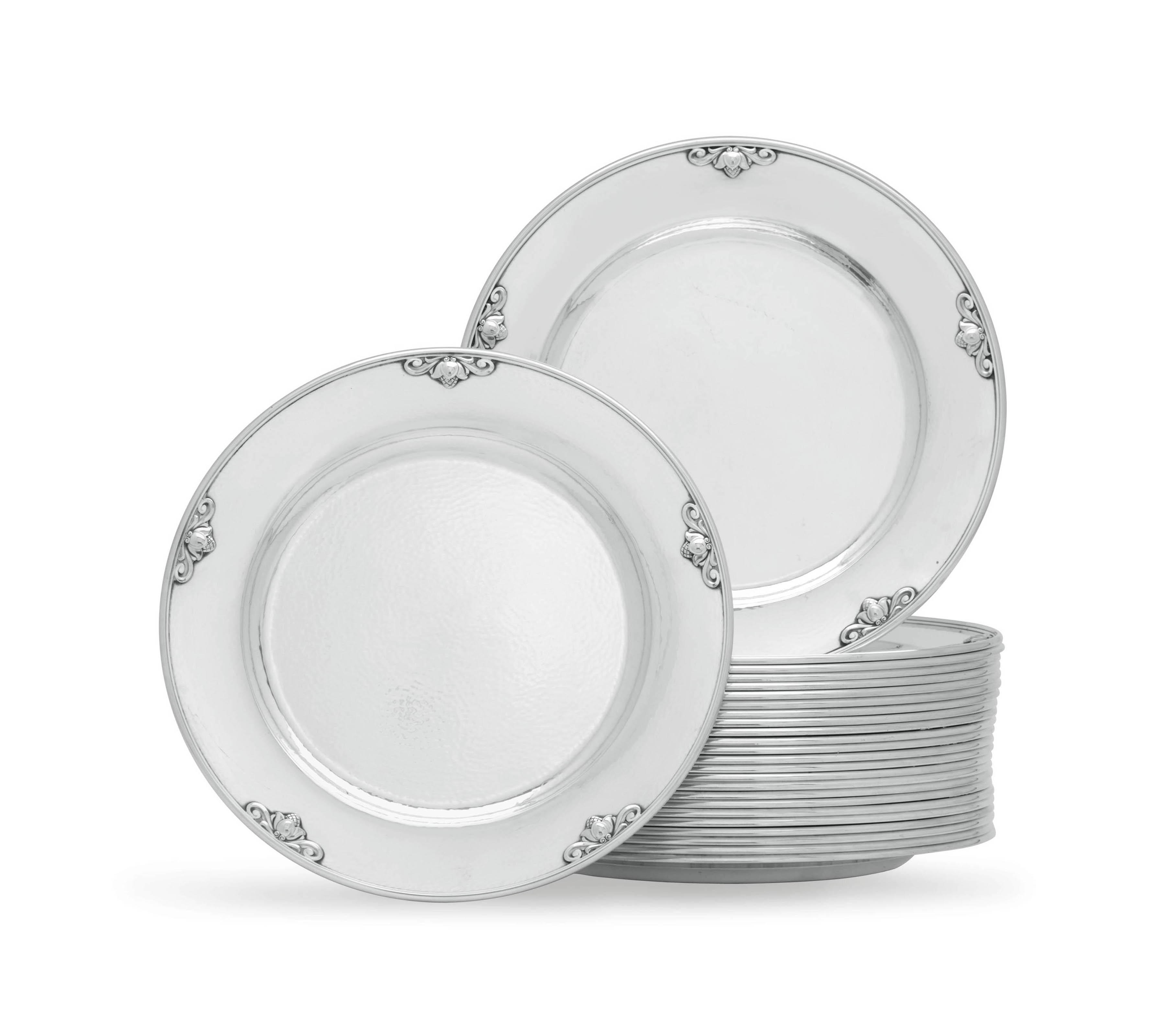 A SET OF TWENTY-FIVE DANISH SILVER DINNER PLATES, DESIGNED BY JOHAN ROHDE