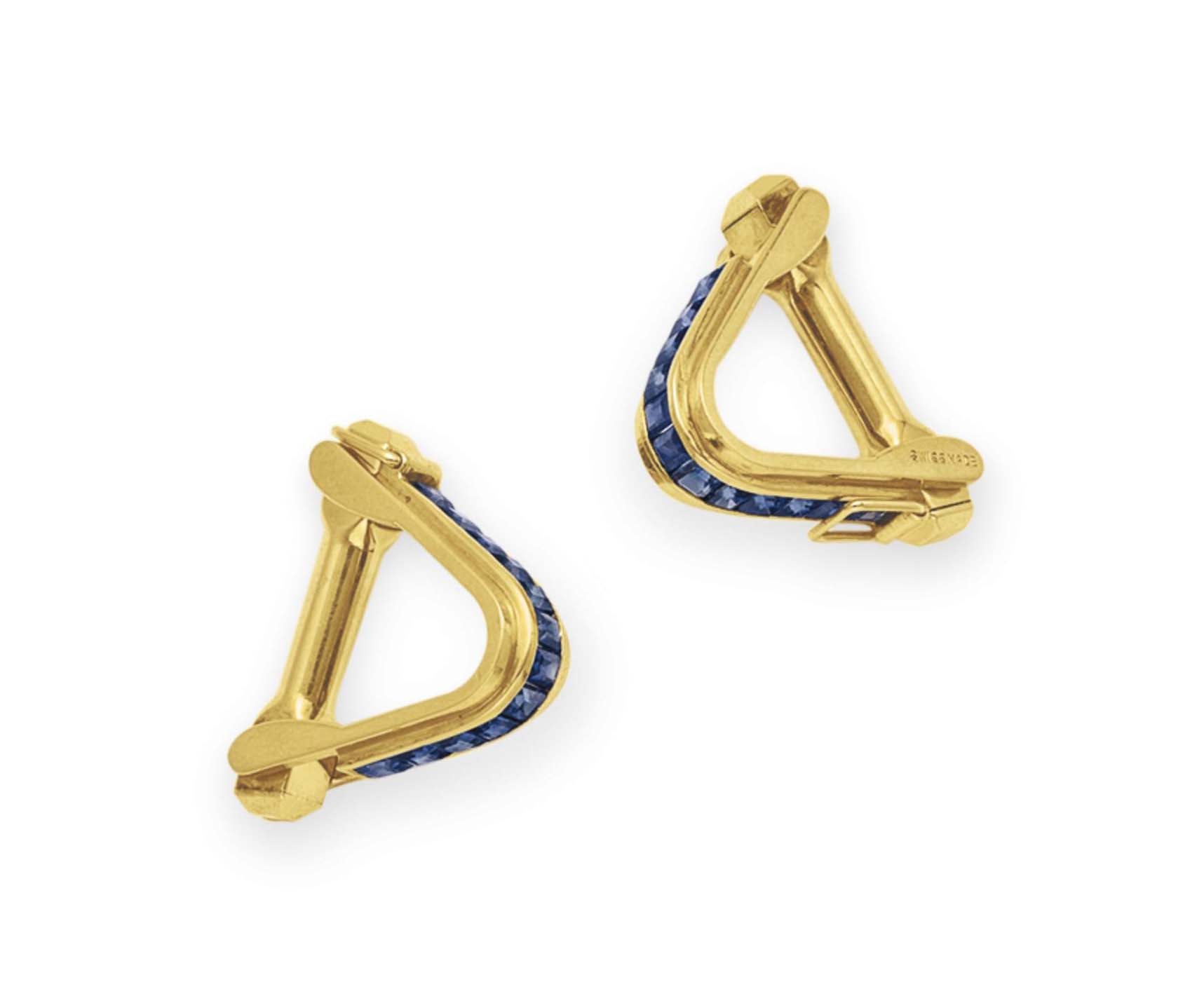 A PAIR OF SAPPHIRE AND GOLD CU