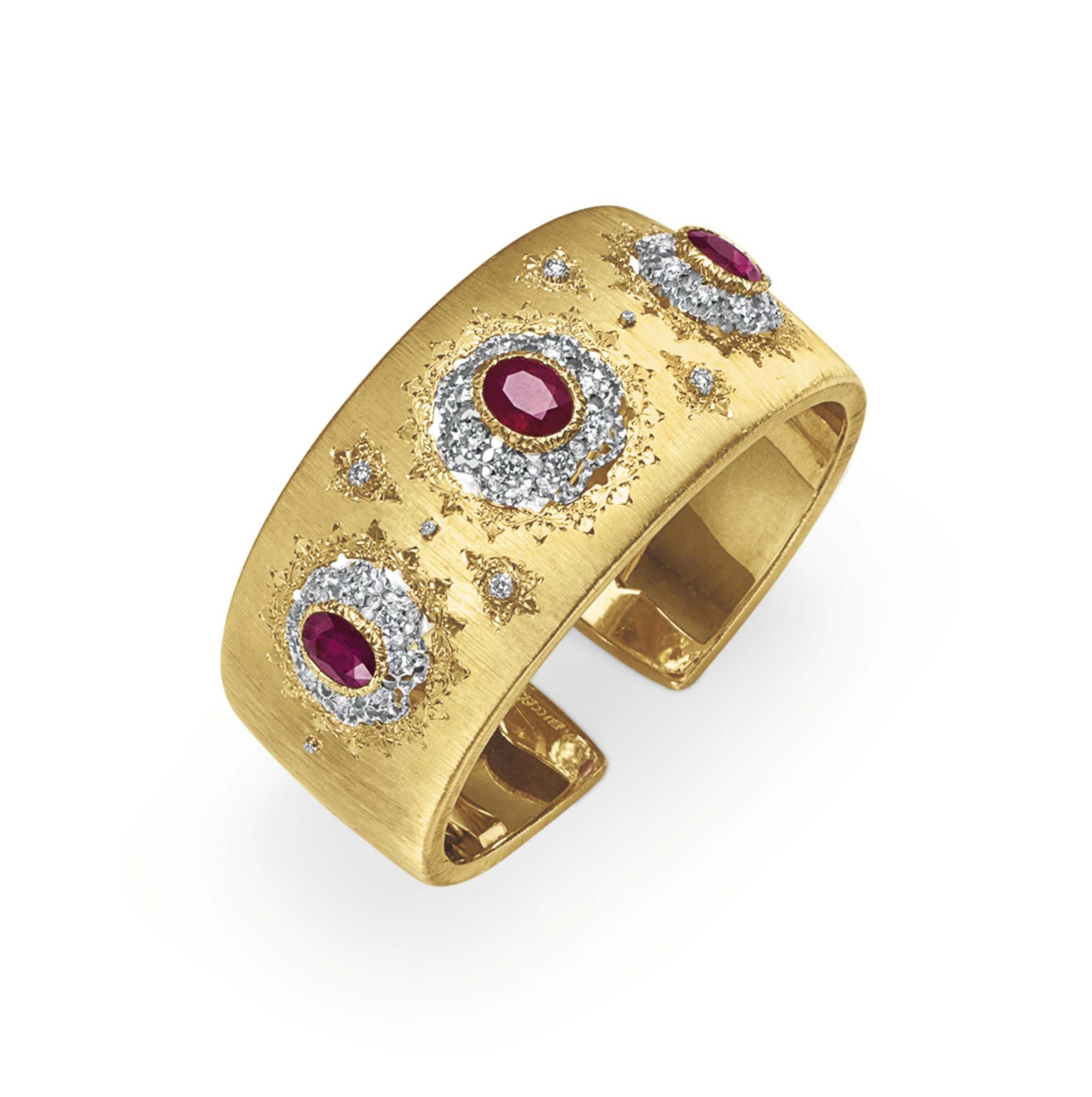 A RUBY, DIAMOND AND GOLD CUFF