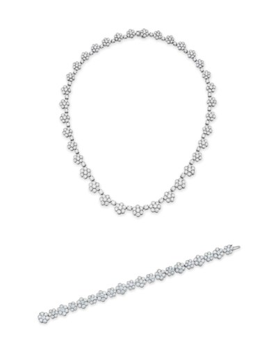 A SET OF DIAMOND JEWELRY