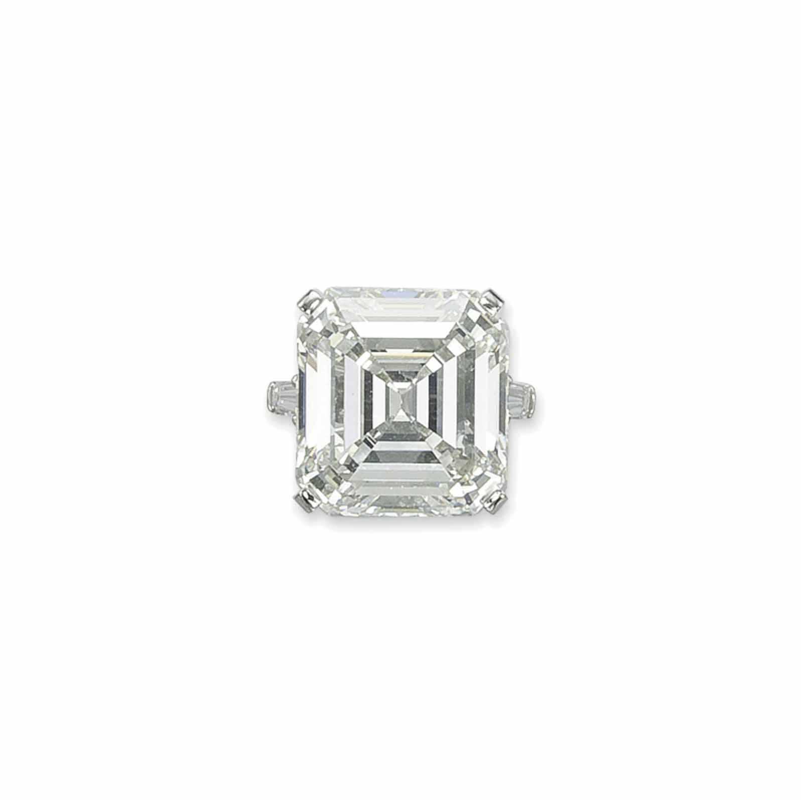 AN IMPRESSIVE DIAMOND RING, BY SABBADINI