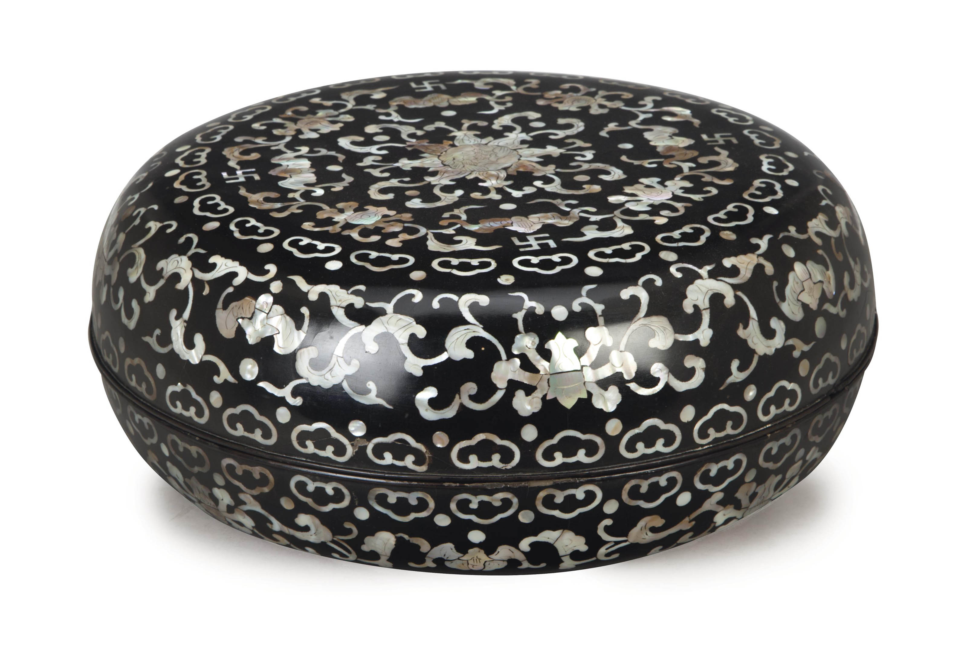 A LARGE CHINESE BLACK LACQUER