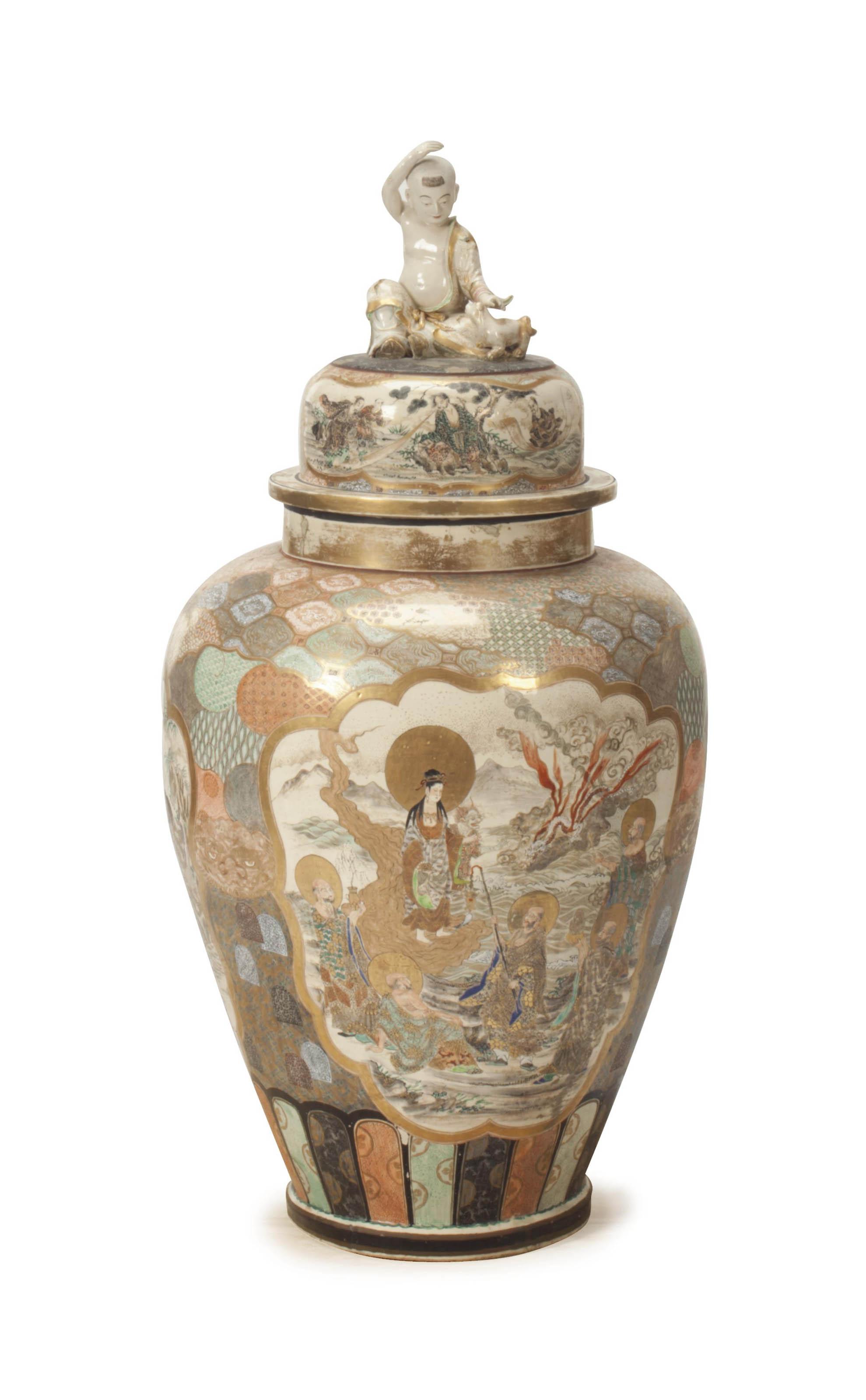 A LARGE JAPANESE SATUSUMA JAR