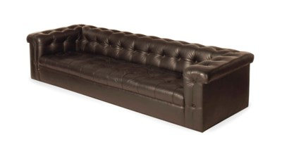 A Modern Black Leather Button Tufted Sofa Sofa Furniture