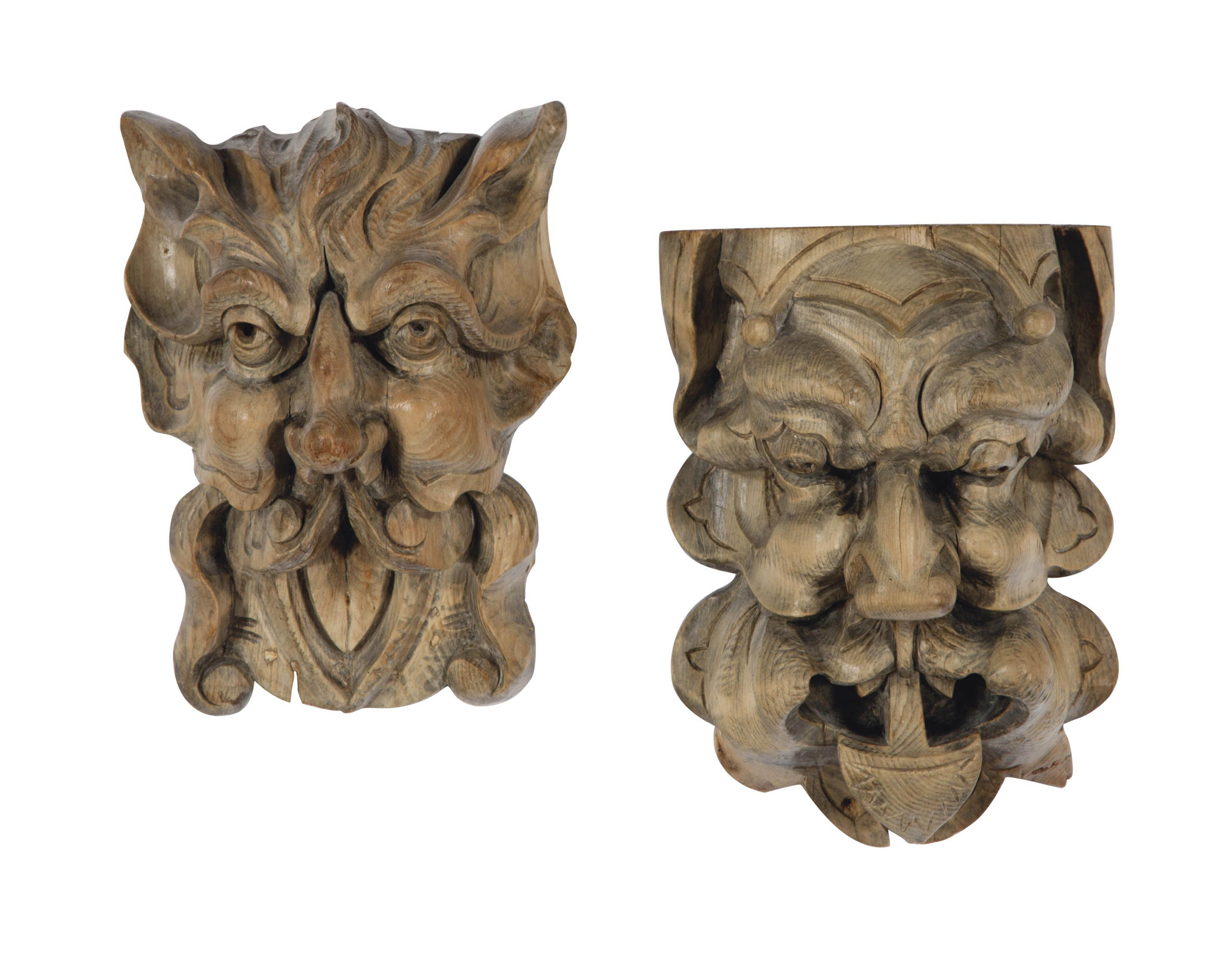 A PAIR OF CONTINENTAL CARVED P