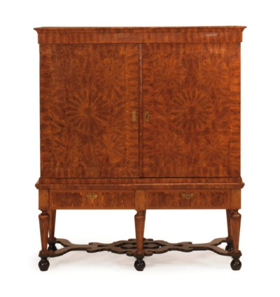 AN ANGLO-DUTCH OLIVEWOOD AND Y