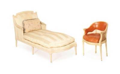 A FRENCH WHITE-PAINTED CHAISE