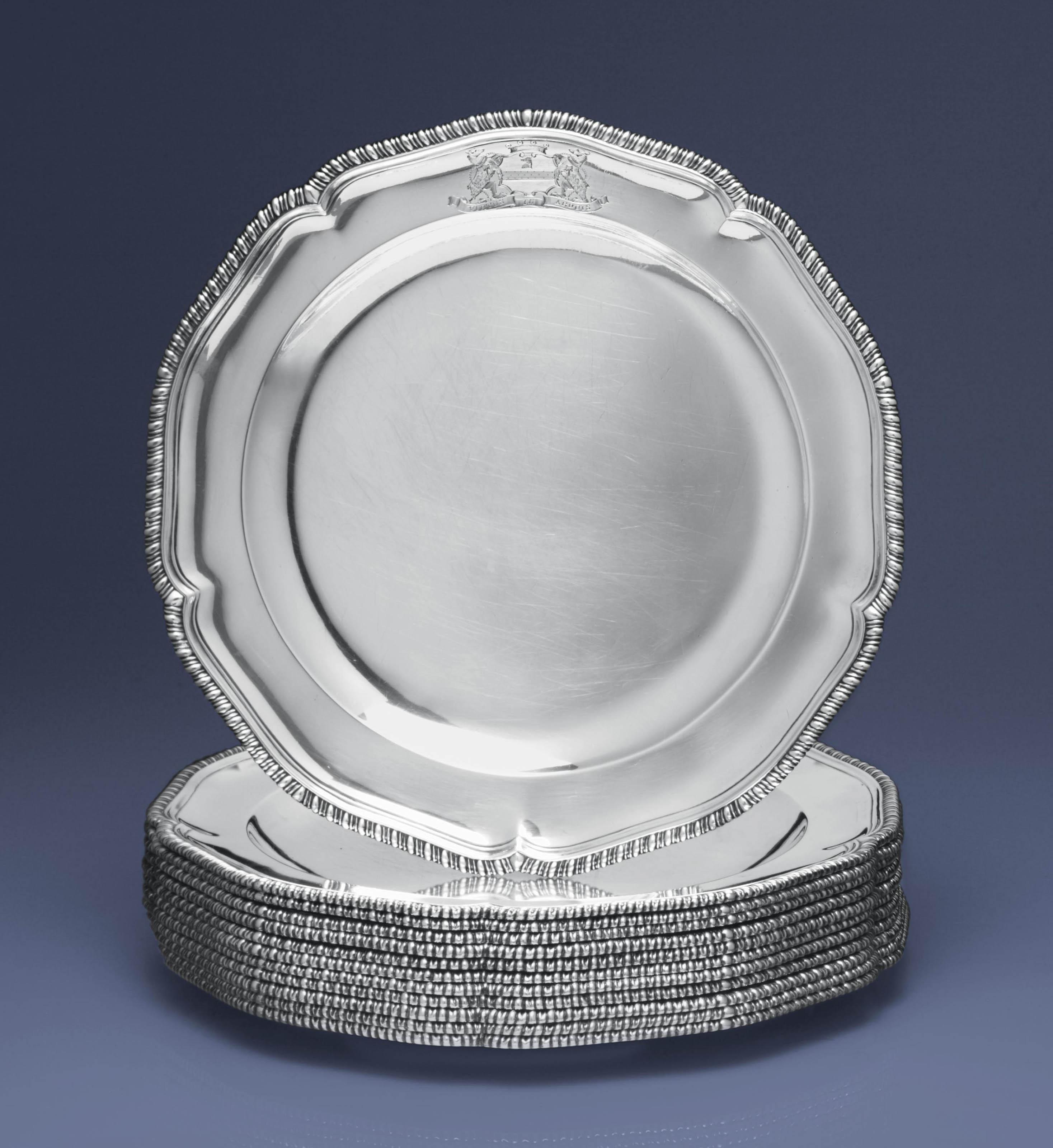 A SET OF TWELVE GEORGE III DINNER PLATES
