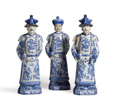 THREE CHINESE PORCELAIN BLUE A