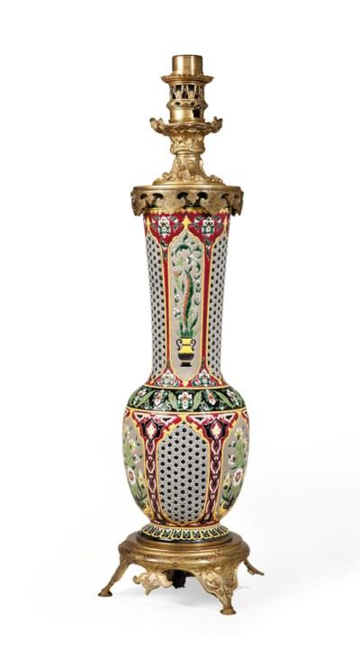 LAMPE A PETROLE D'EPOQUE NAPOL