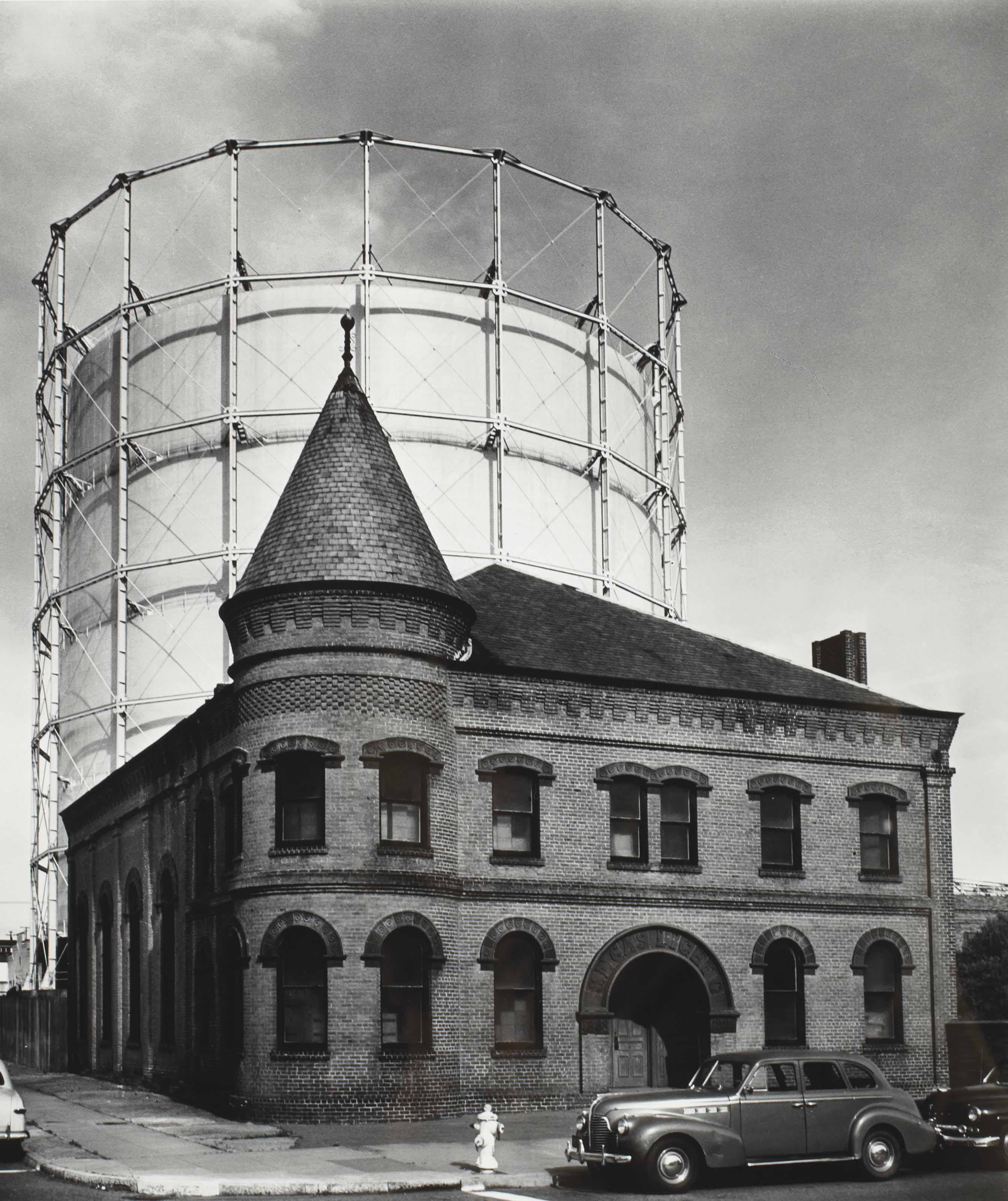 The San Francisco Gas and Light Company (cylindrical building behind older building), 1948
