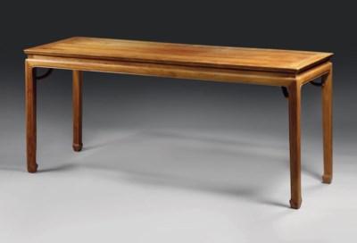 GRANDE TABLE EN HUANGHUALI, TI