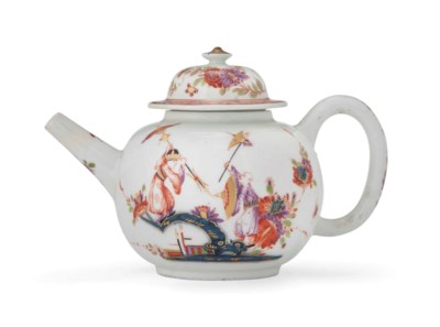 A MEISSEN TEAPOT AND COVER