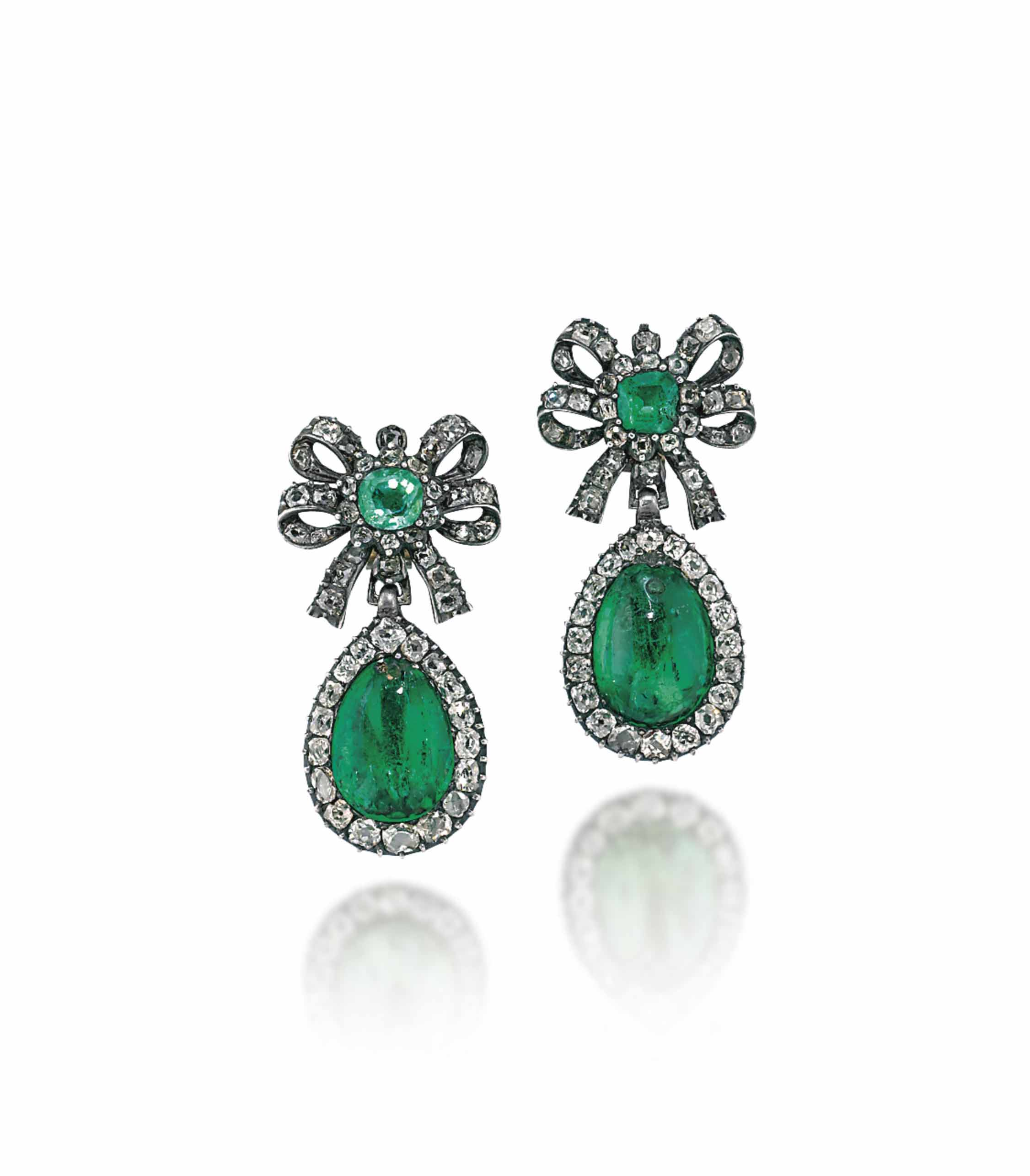 A PAIR OF LATE 18TH/EARLY 19TH CENTURY EMERALD AND DIAMOND EAR PENDANTS