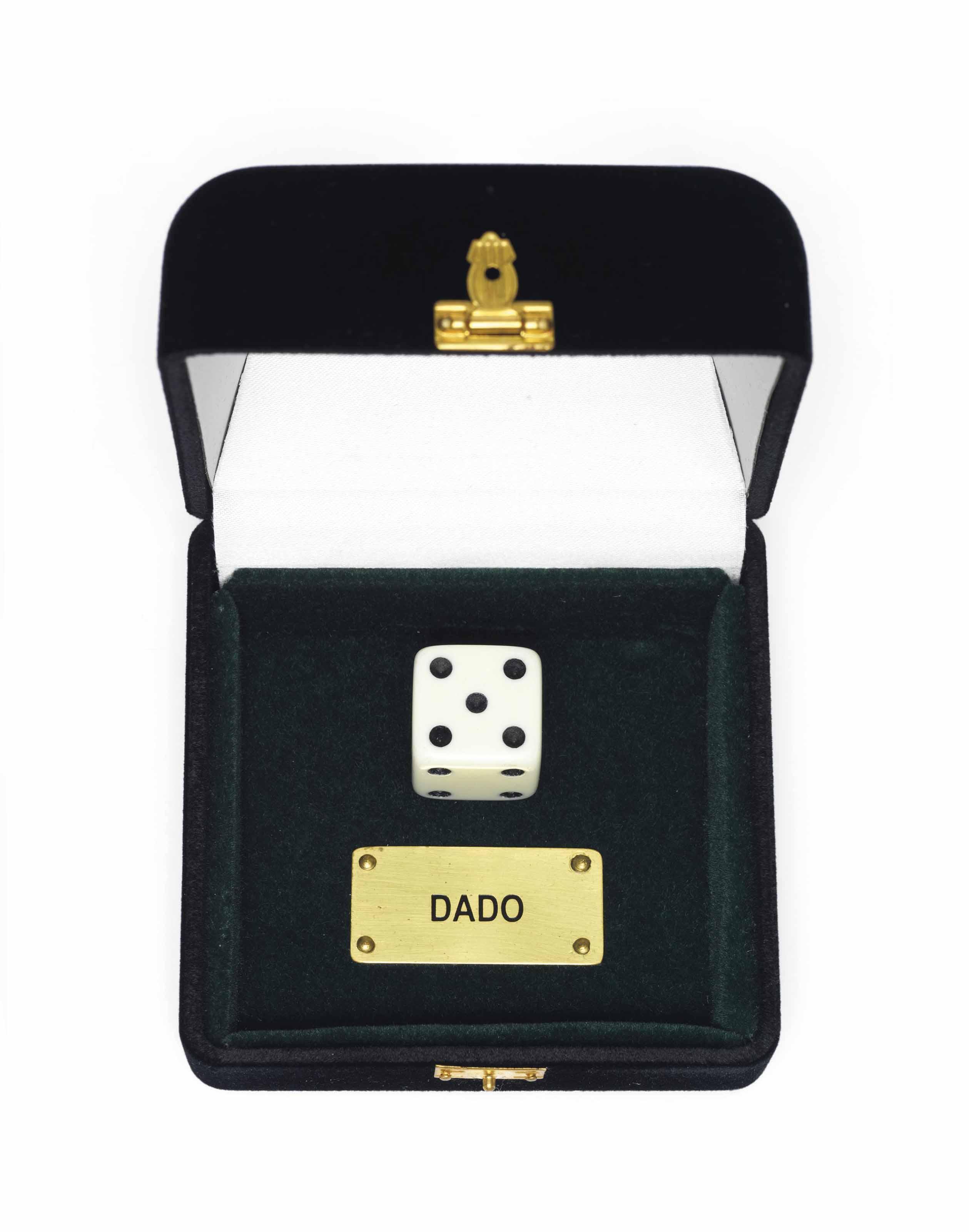 DADOS (Dice/Given)