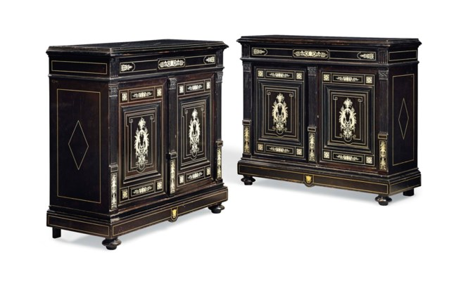 A PAIR OF NORTH ITALIAN IVORY-