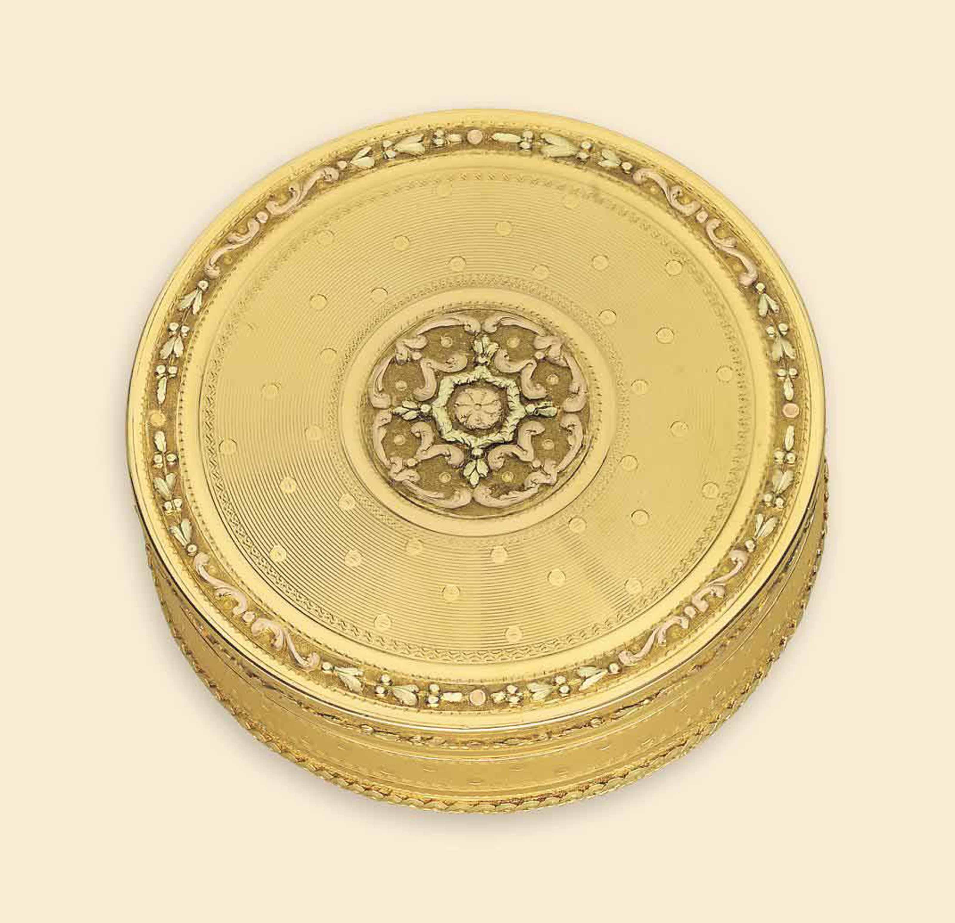 A LOUIS XVI VARI-COLOUR GOLD BONBONNIERE