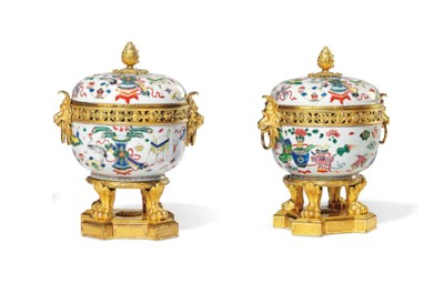 A PAIR OF RESTAURATION ORMOLU-