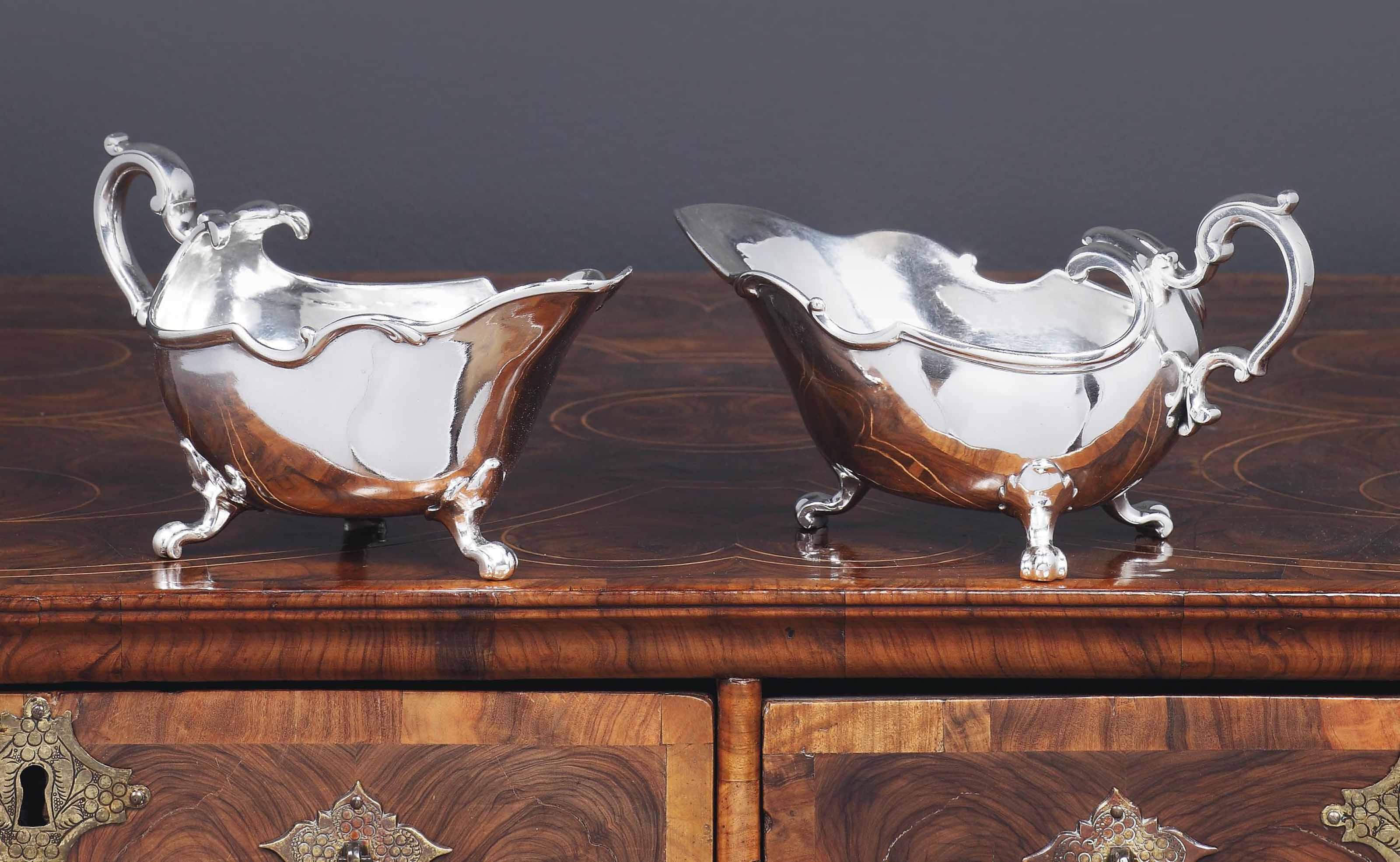 A PAIR OF DUTCH SILVER SAUCEBOATS