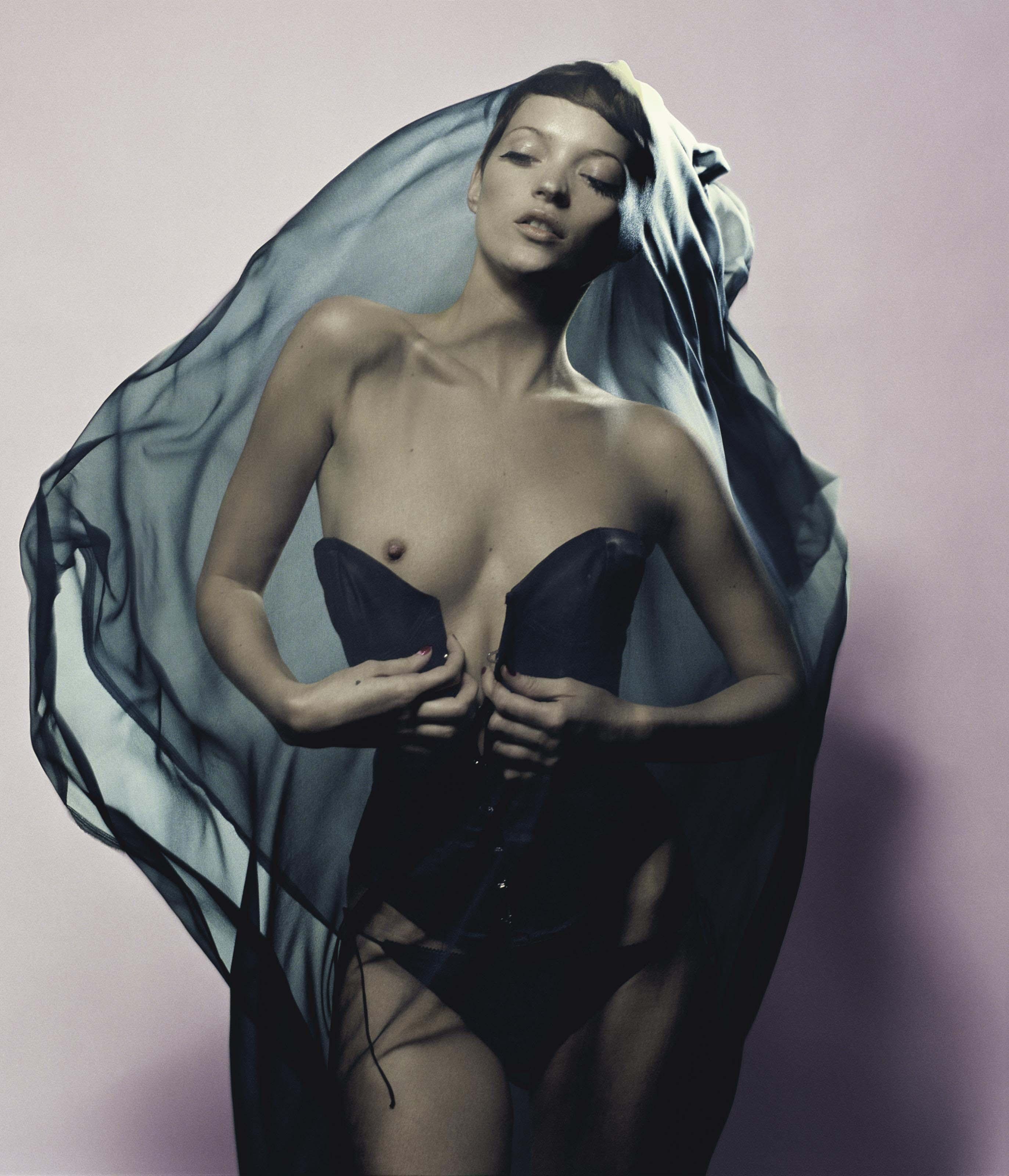 nudes (95 photos), Sideboobs Celebrites images