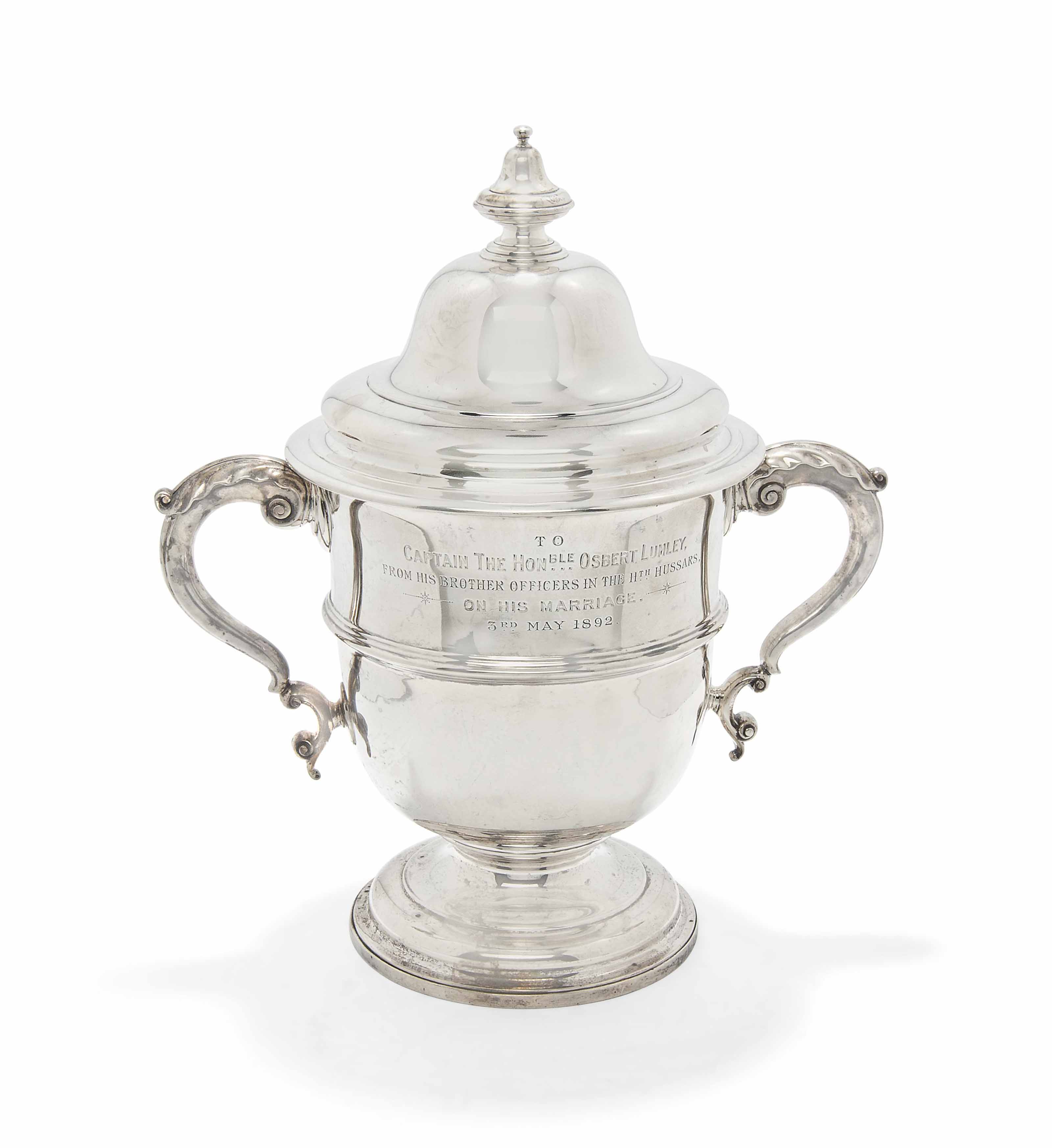A LARGE VICTORIAN SILVER TROPHY CUP AND COVER OF GEORGIAN STYLE