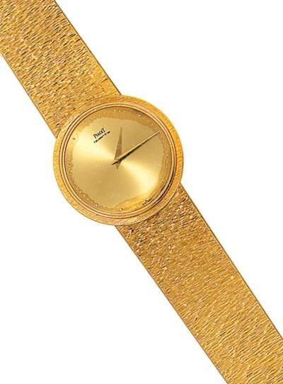 An 18ct. gold quartz bracelet