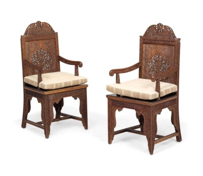 A PAIR OF INDIAN CARVED HARDWO