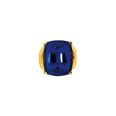 A tanzanite dress ring