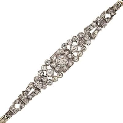 An Edwardian diamond bracelet