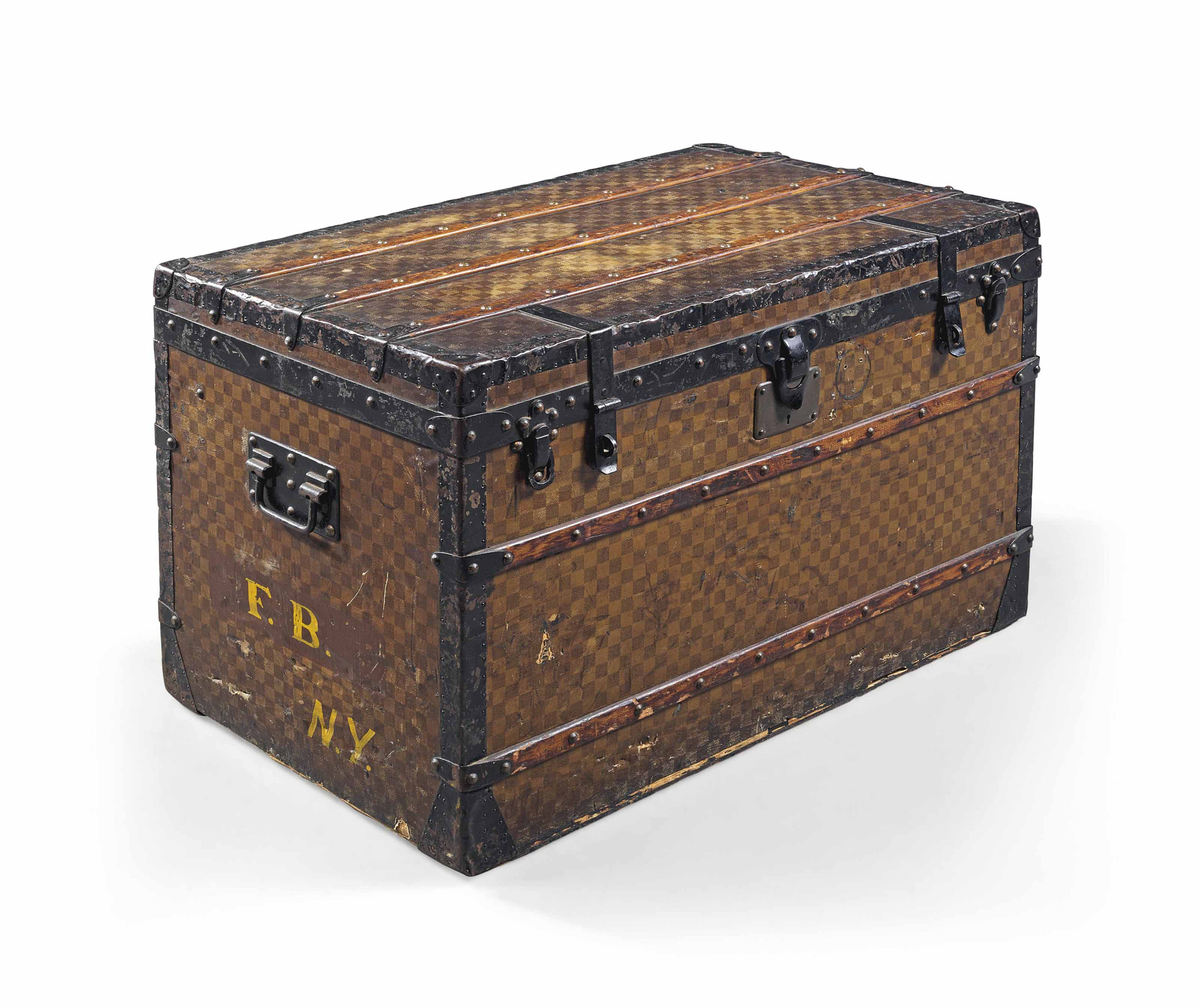 A LADY'S LOW TRUNK IN DAMIER C