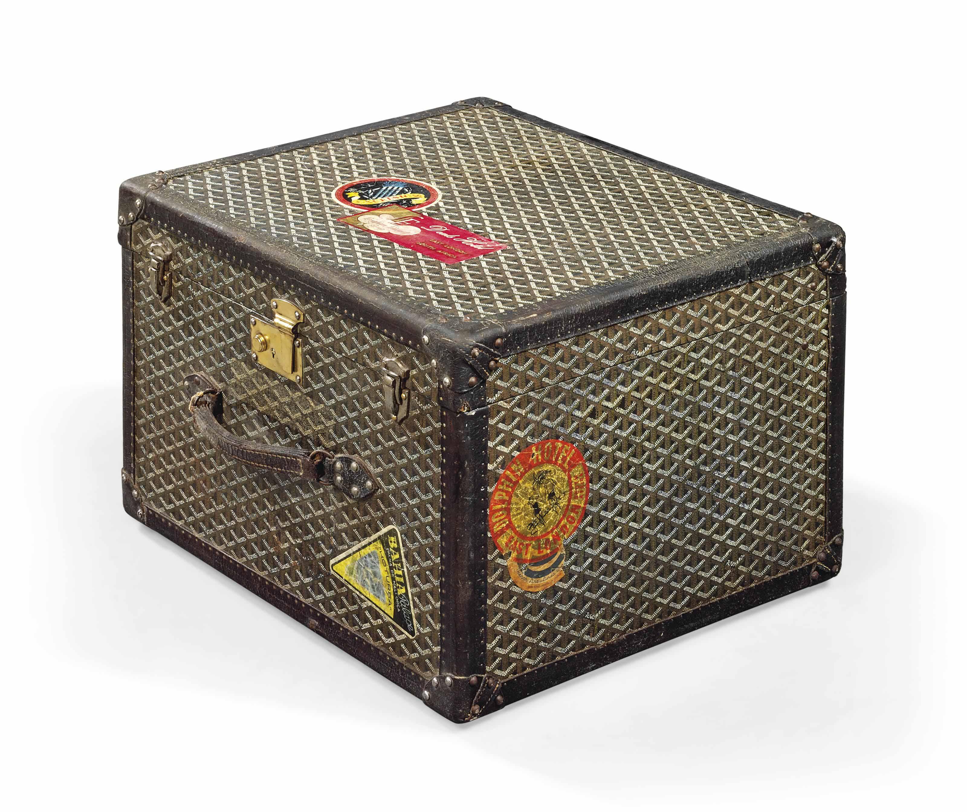 A HATBOX IN MONOGRAM CANVAS