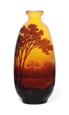 A GALLÉ CAMEO GLASS 'PAYSAGE'